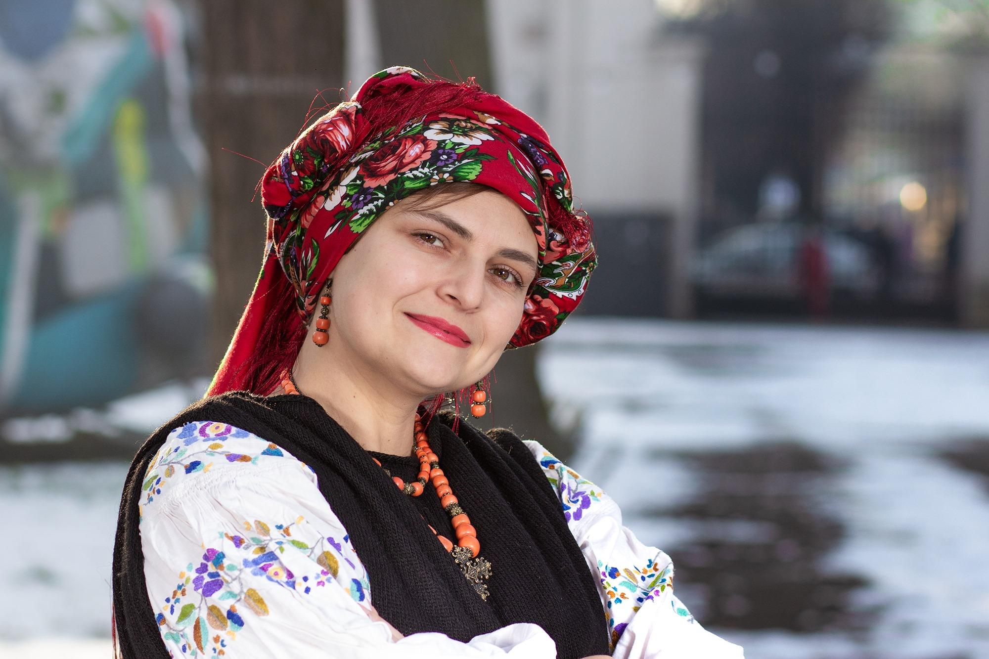 У Палаці Потоцьких франківки фотографувалися в українських хустинах 2