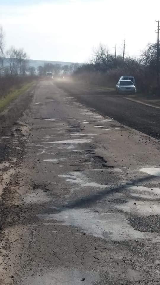Дорожники повернулися до ремонту автотрас на Прикарпатті 4