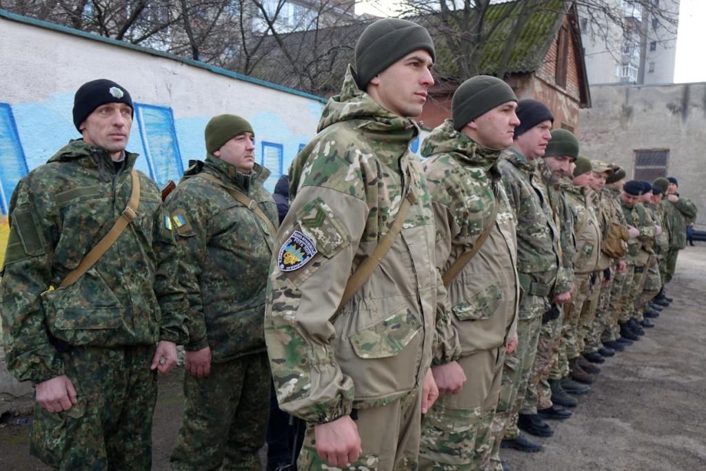 30 прикарпатських поліцейських вирушили на службу у зону війни 2