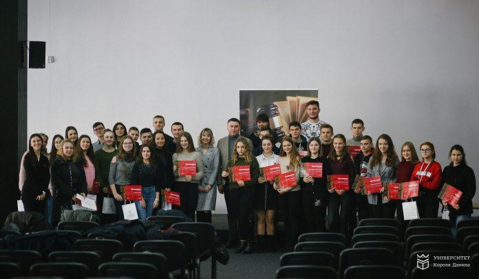 В УКД переможці конкурсу для обдарованої молоді отримали гранти на навчання 2