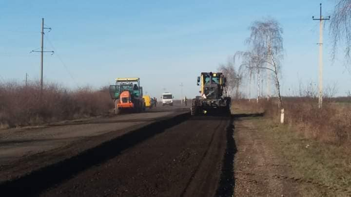 Дорожники повернулися до ремонту автотрас на Прикарпатті 6