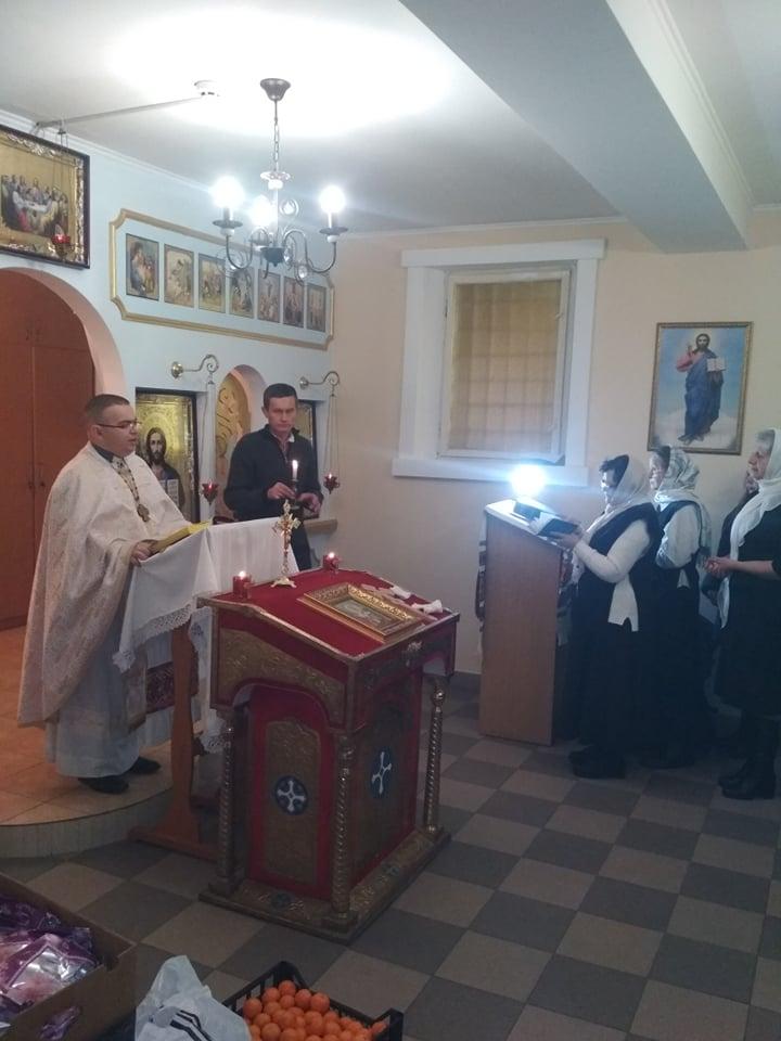 У Франківську ув'язнені помолилися і отримали подарунки на Миколая 2
