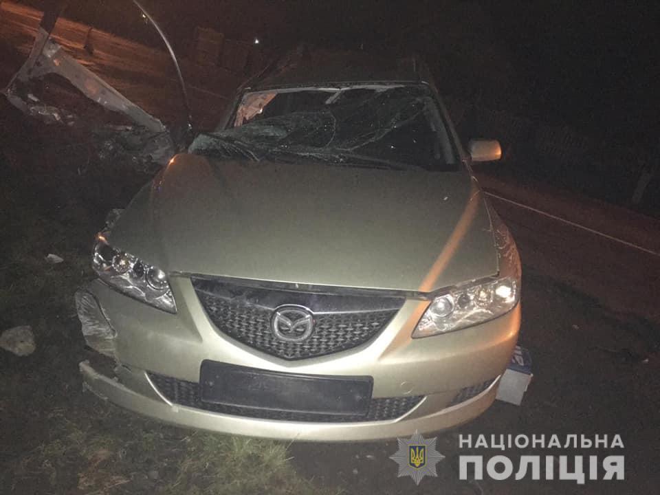 На Прикарпатті «Мазда 6» врізалася в міст – загинув пасажир 1