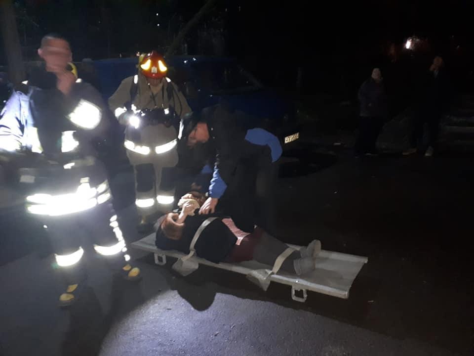 У Франківську на Бандери сталася пожежа – врятували чоловіка 2