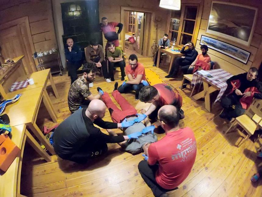 Гірські рятувальники з Прикарпаття вчились у польських колег надавати допомогу потерпілим у горах 2