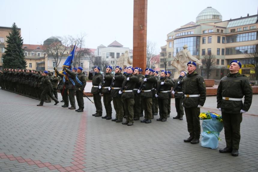В Івано-Франківську  понад 70 нацгвардійців склали присягу 6