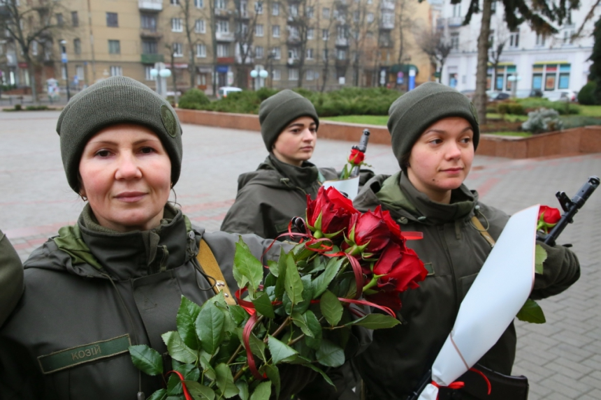 В Івано-Франківську  понад 70 нацгвардійців склали присягу 10