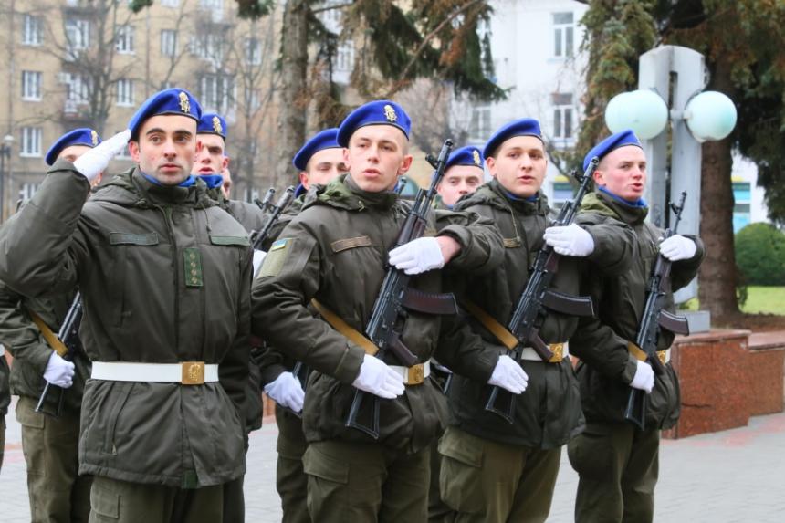 В Івано-Франківську  понад 70 нацгвардійців склали присягу 8