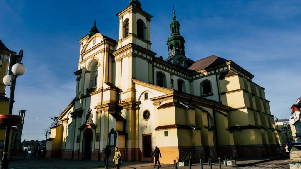 Колегіата, або фарний костел, в Івано-Франківську