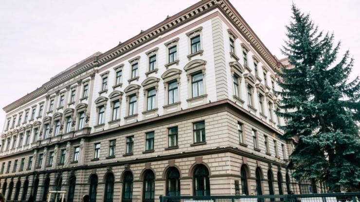 Центральний корпус ІФНМУ в Івано-Франківську