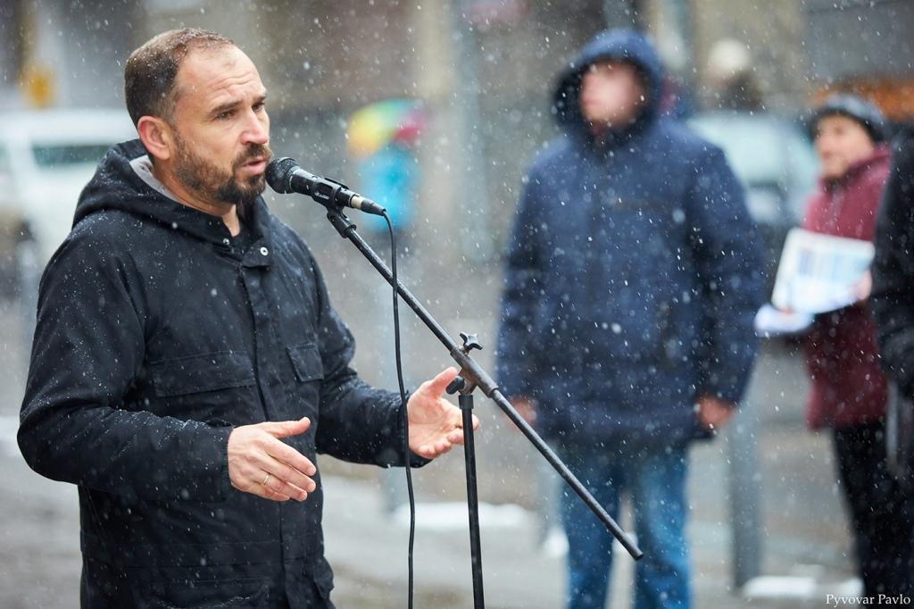 У пам'ять про видатного актора: у Франківську відкрили дошку Сергію Романюку 6
