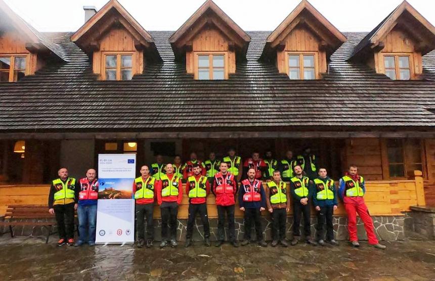 Гірські рятувальники з Прикарпаття вчились у польських колег надавати допомогу потерпілим у горах 6