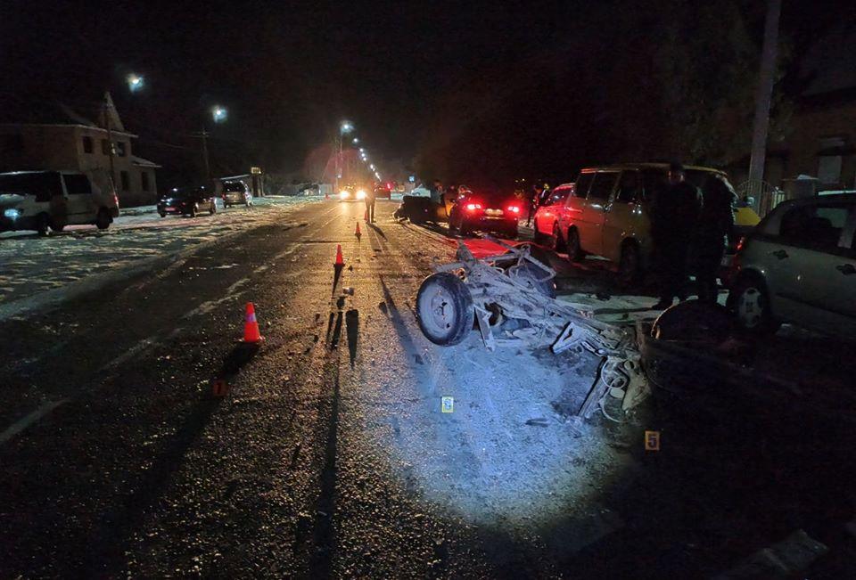 """У Ланчині """"Ауді"""" врізалася у фіру і три машини – двоє людей у лікарні 2"""