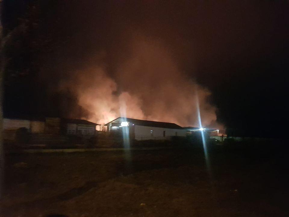 У Франківську масштабна пожежа - горять поля 10