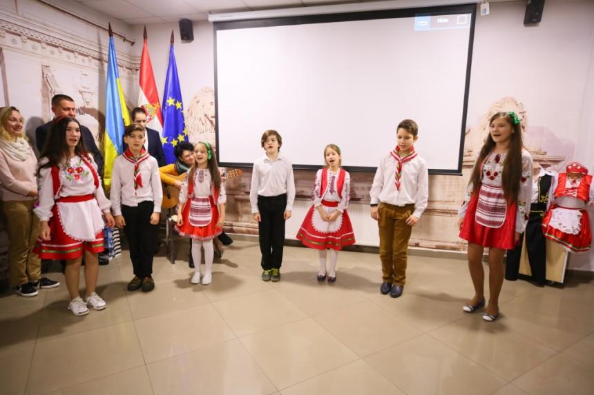 У Франківську відкрили угорський культурно-освітній центр 4