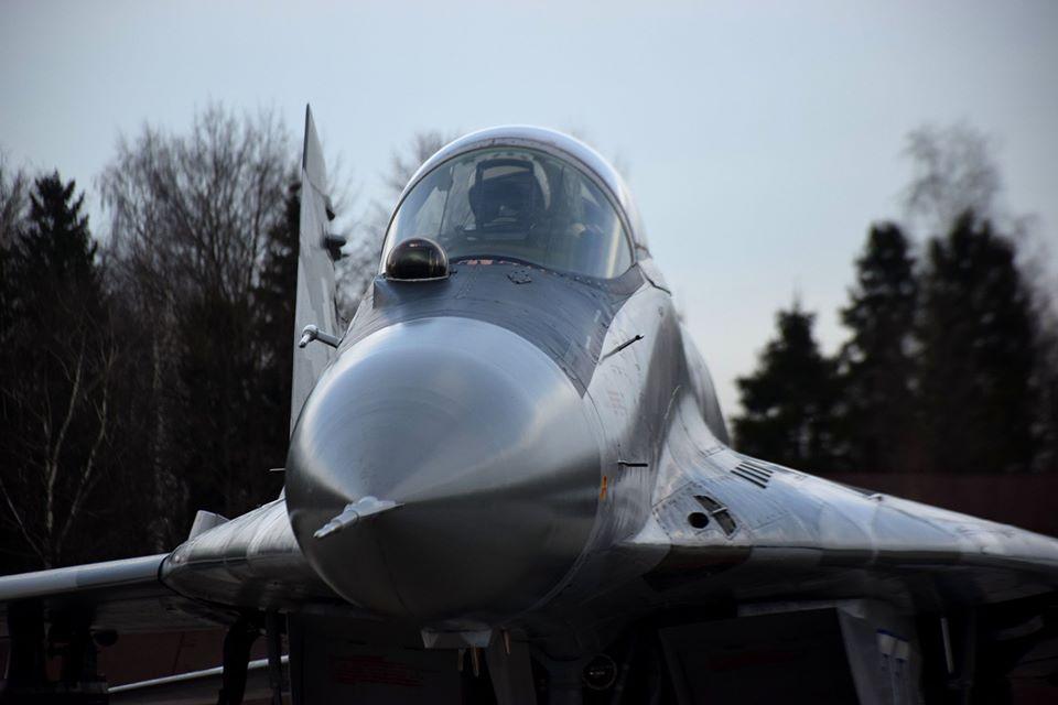 У Франківську військові пілоти пройшли курс бойової підготовки на МіГ-29 10
