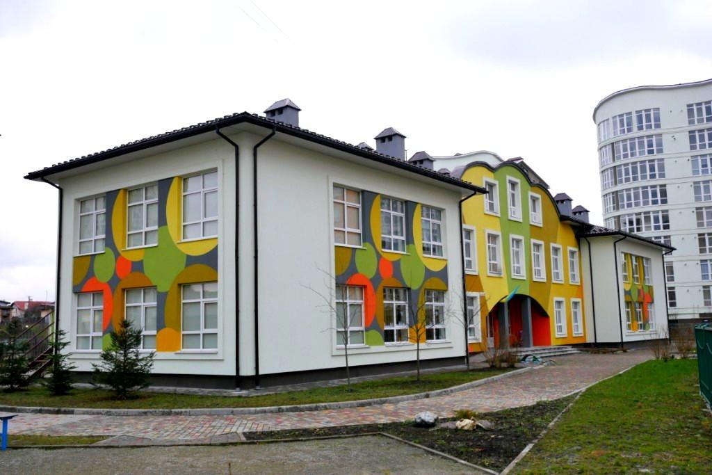 Затишно, безпечно, недорого: чому варто купити квартиру в містечку «Опришівська слобода» 4