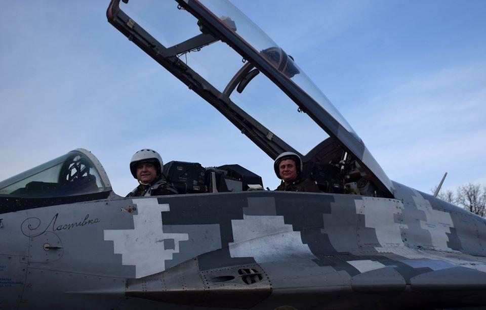 У Франківську військові пілоти пройшли курс бойової підготовки на МіГ-29 6