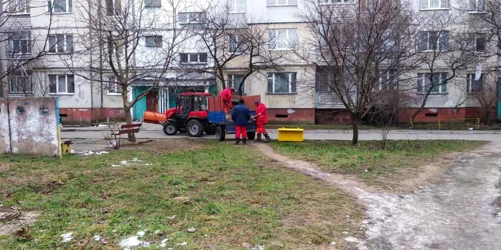 У Франківську вкрали ящики для піску 2