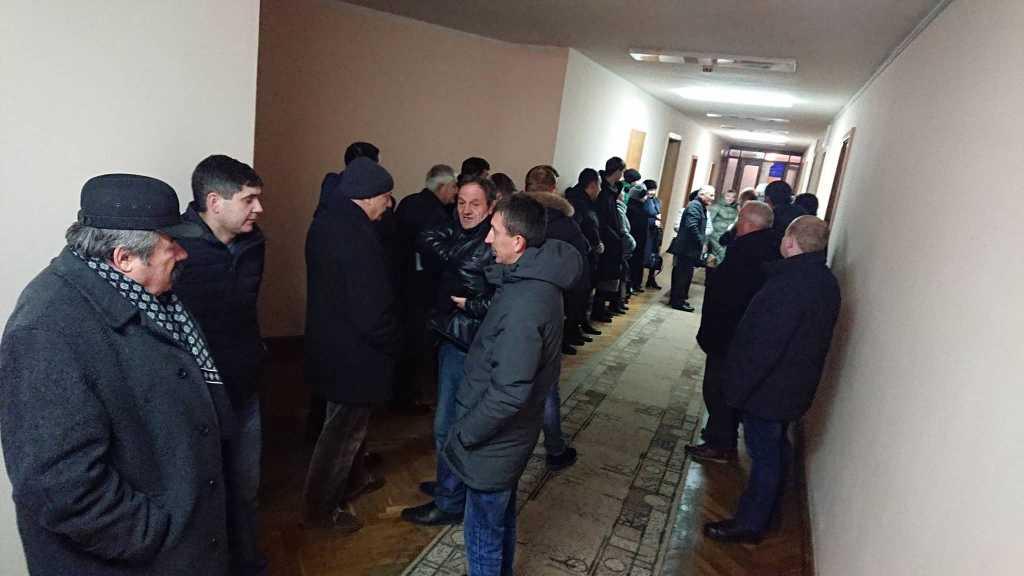 Жителі Тисменичан під ОДА вимагають приєднання до Івано-Франківської ОТГ 2