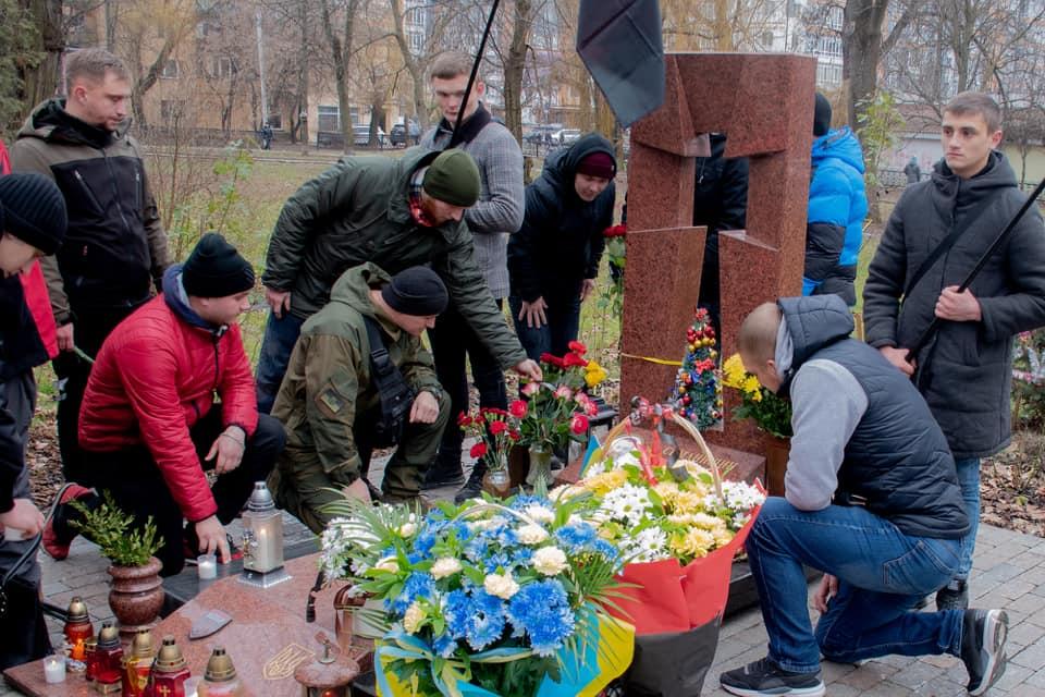 У Франківську вшанували пам'ять добровольця Григорія Семанишина 4