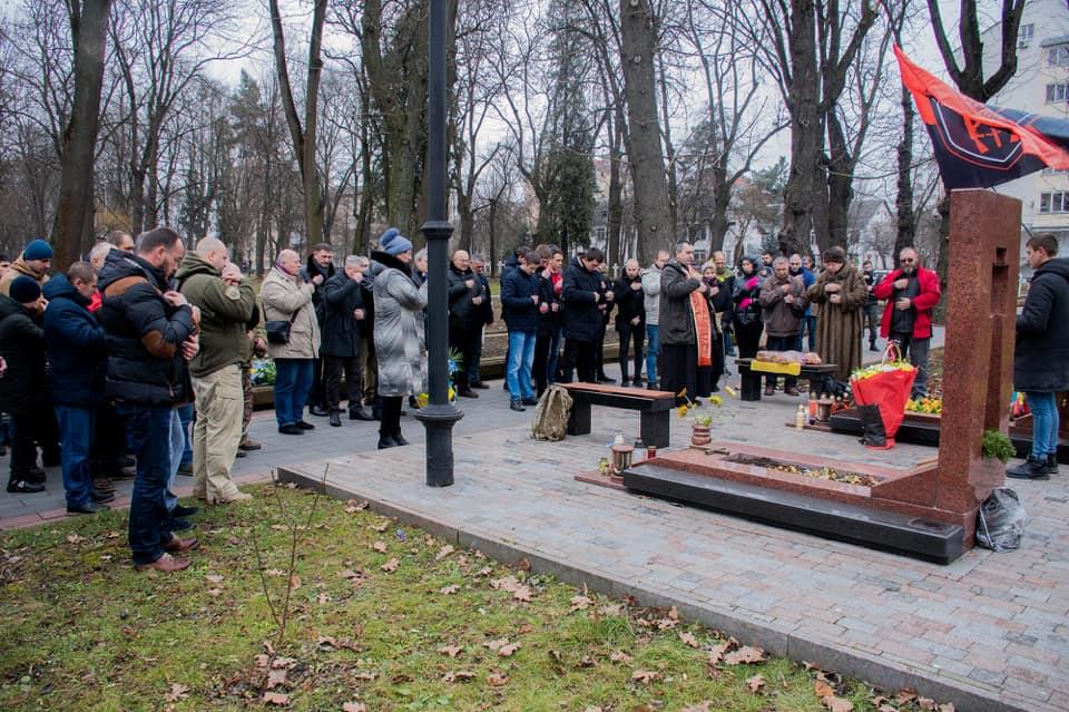 У Франківську вшанували пам'ять добровольця Григорія Семанишина 6