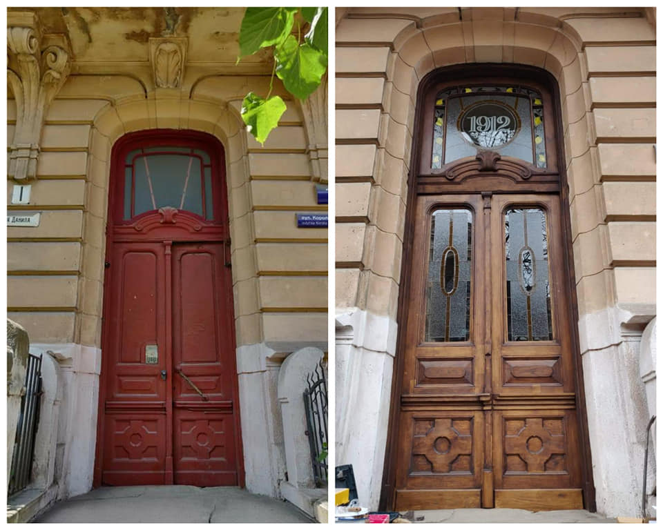 Варіації з лимонами: у франківську пам'ятку повернули реставровані двері 1912 року 2