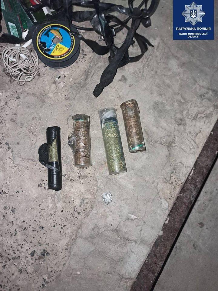 У Франківську поліцейські знайшли у перехожого наркотики 2