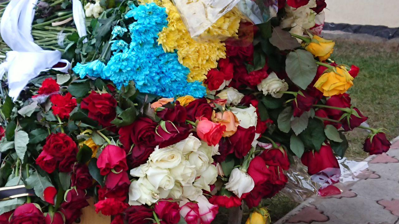 Сотні франківців прощаються із загиблою в Ірані бортпровідницею Марією Микитюк 6