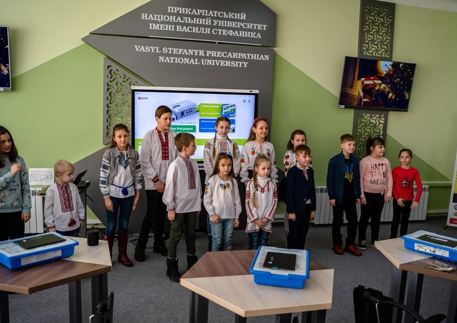У Прикарпатському університеті провели безкоштовне заняття з робототехніки для дітей 3
