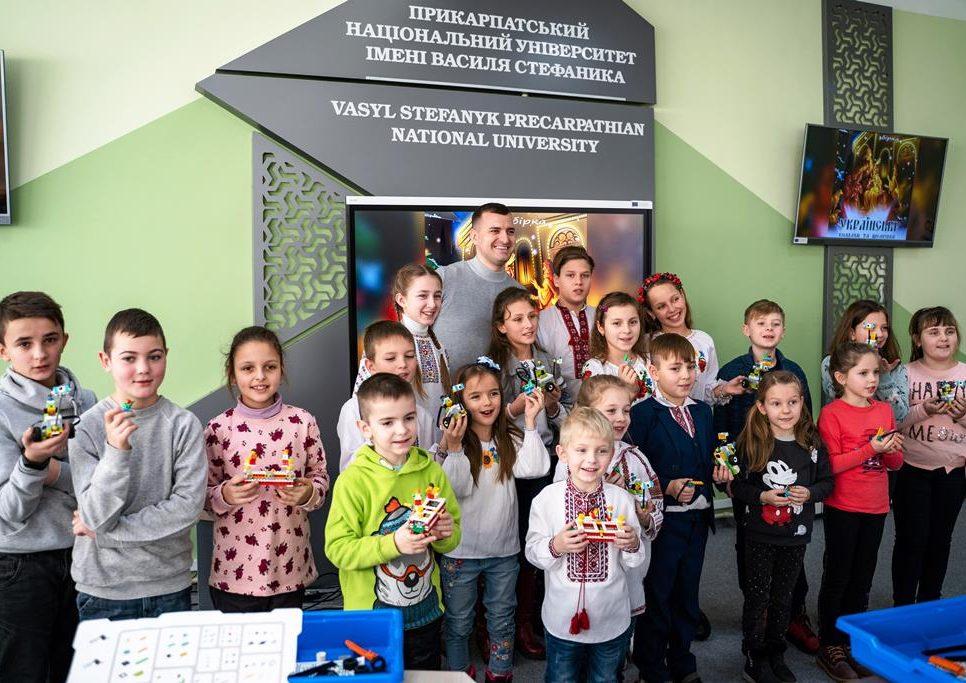 У Прикарпатському університеті провели безкоштовне заняття з робототехніки для дітей 5