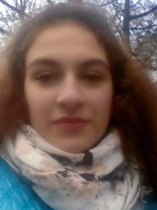 На Прикарпатті пів місяця тому зникла 17-річна дівчина 2