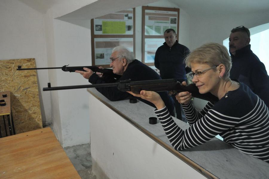 Серед працівників франківського медуніверситету визначили найкращих стрільців з пневмата 2