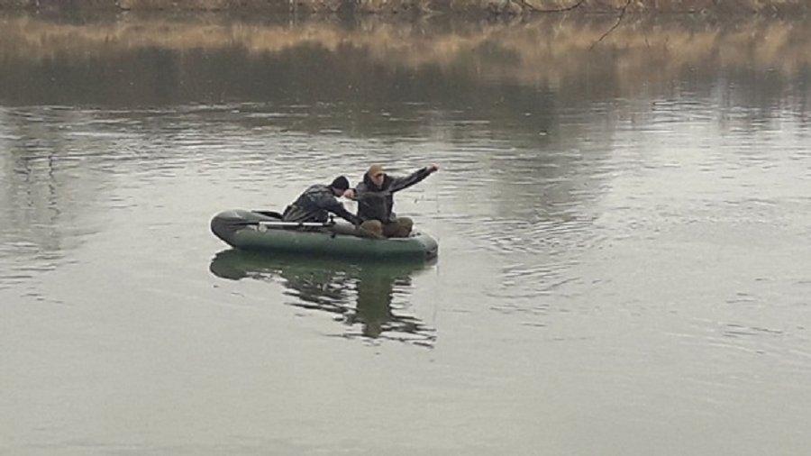 Рибоохорона врятувала на Дністрі 8-кілограмового судака 2