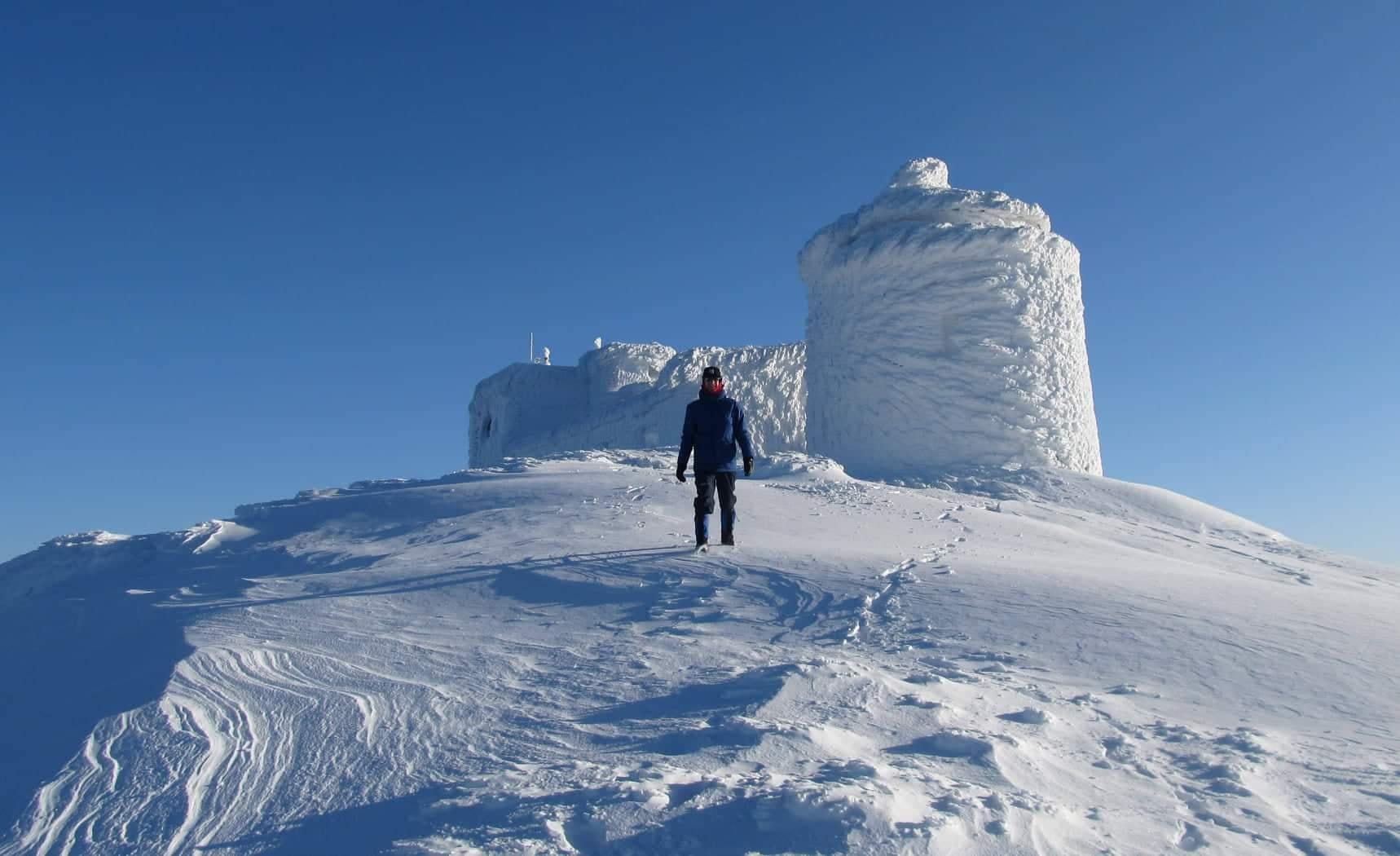 Зимова казка: прикарпатці діляться неймовірними фото та відео засніжених Карпат 30