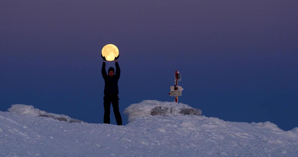 Зимова казка: прикарпатці діляться неймовірними фото та відео засніжених Карпат 34