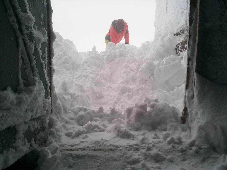 Зимова казка: прикарпатці діляться неймовірними фото та відео засніжених Карпат 24