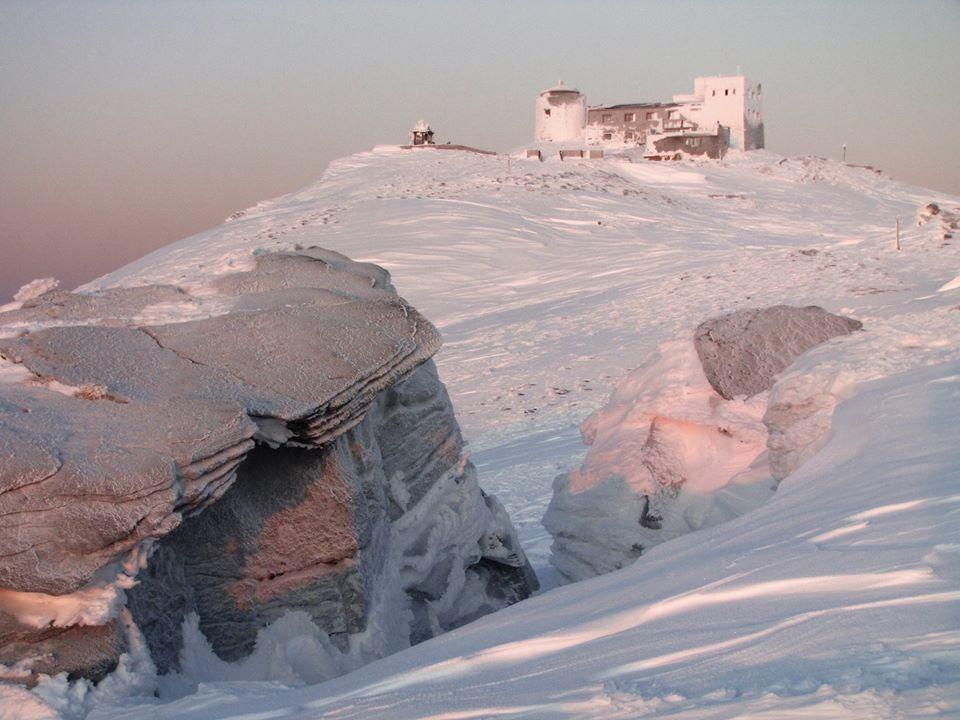 Зимова казка: прикарпатці діляться неймовірними фото та відео засніжених Карпат 42