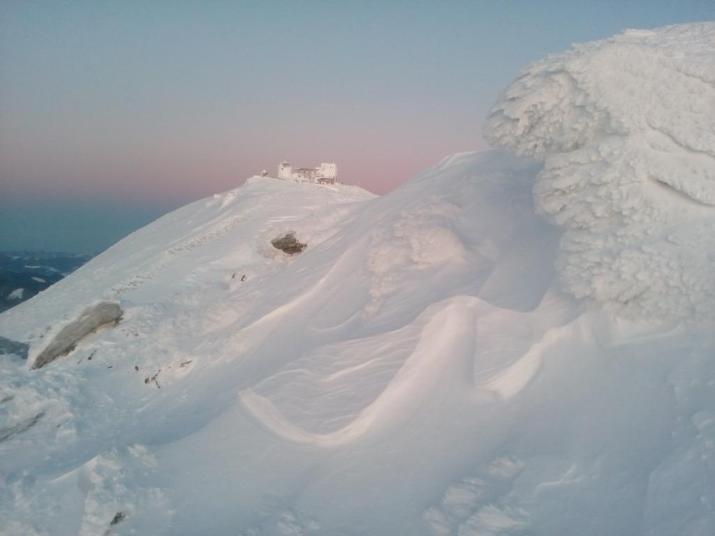 Зимова казка: прикарпатці діляться неймовірними фото та відео засніжених Карпат 26