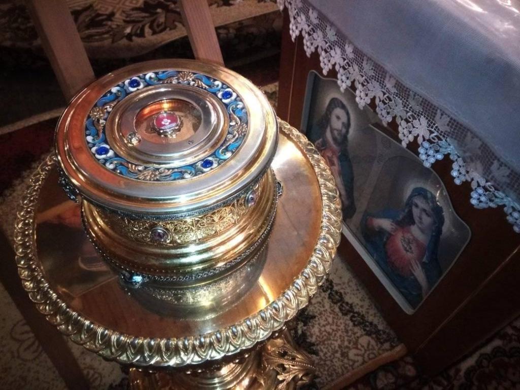 До Франківська привезли мощі святої матері Терези 4