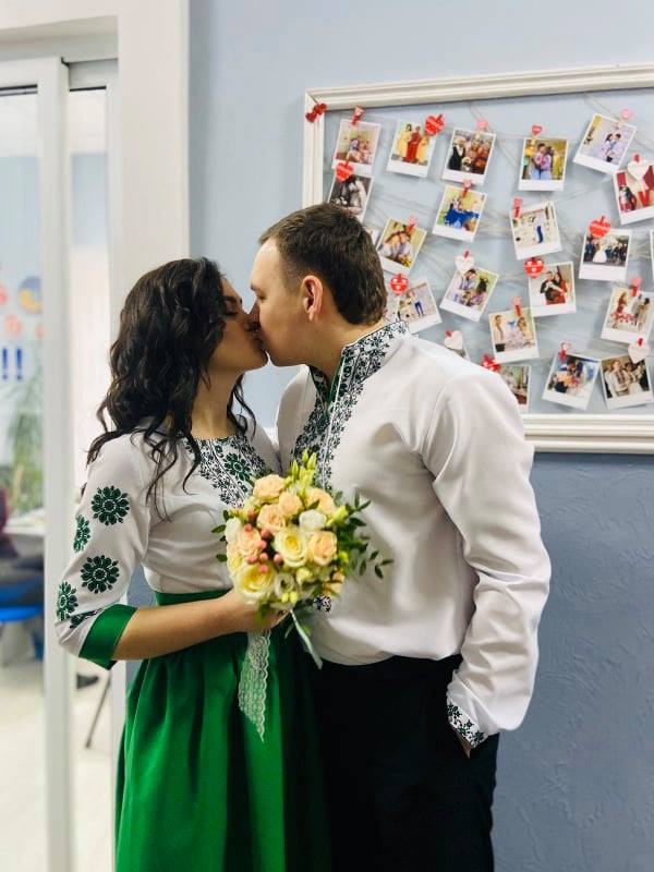 Повірили в магію чисел: у Франківську сьогодні зареєстрували 26 шлюбів 1