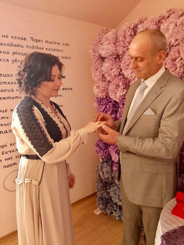 Повірили в магію чисел: у Франківську сьогодні зареєстрували 26 шлюбів 3