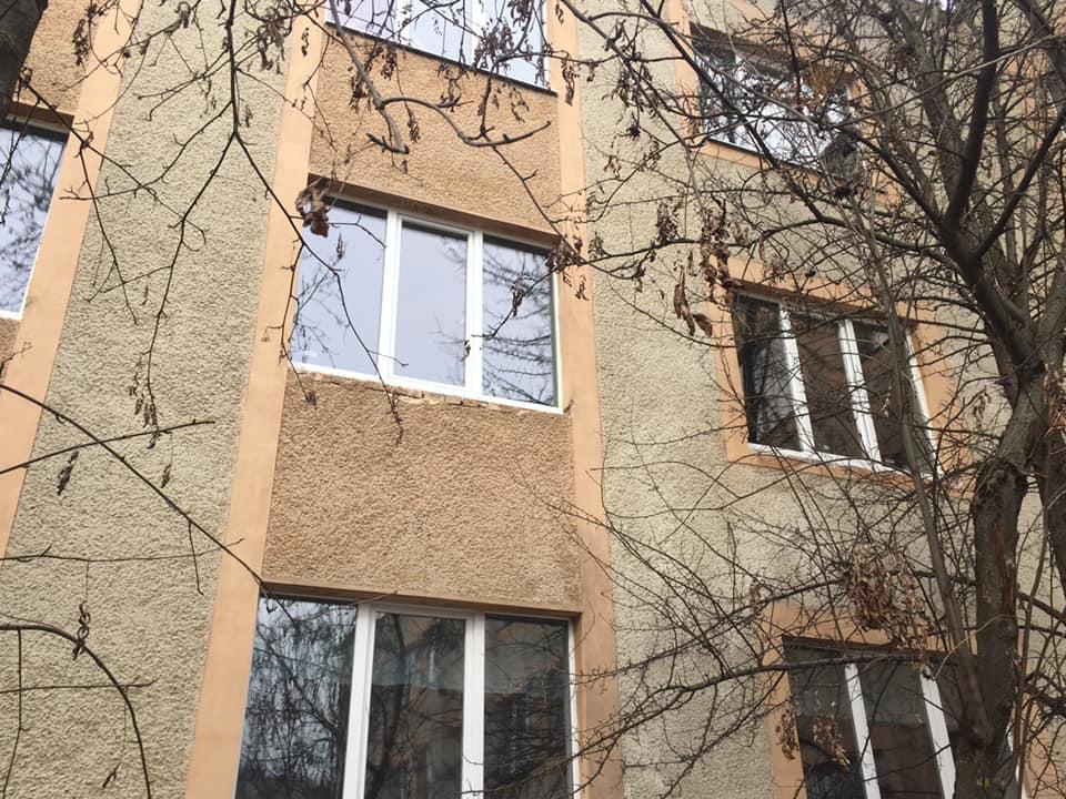 У найбільшій школі Франківська замінили всі вікна на металопластикові 4