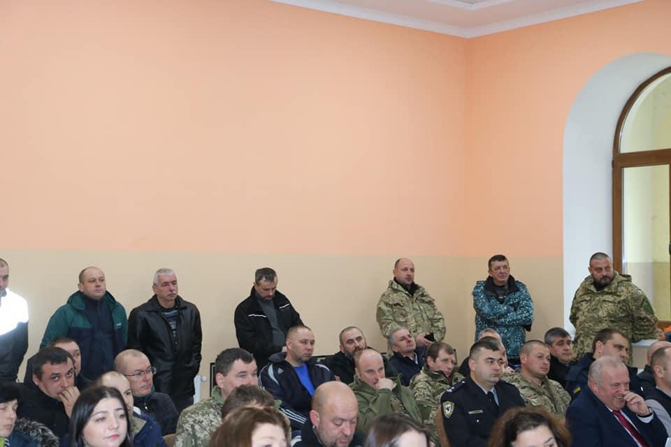 Переслідування ветеранів АТО: недовіру новому керівнику поліції висловили депутати Яремча 8