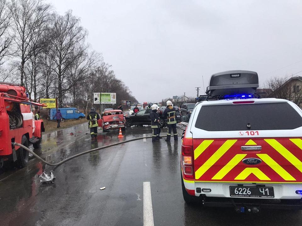 У Драгомирчанах зіткнулись 4 машини: двоє дорослих і дитина в лікарні 1