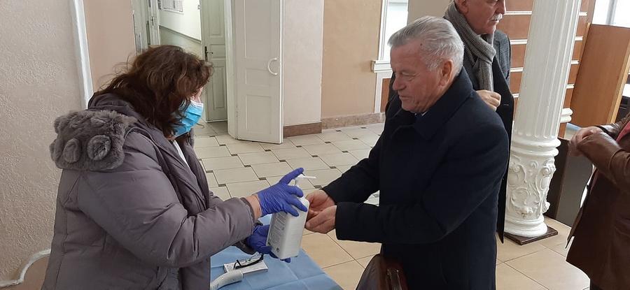 Медики з ІФНМУ облаштували пункти скринінгу по Франківську 2