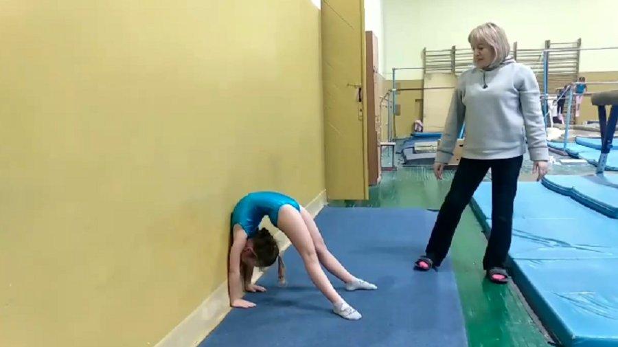 Як франківські гімнастки тренуються вдома 4