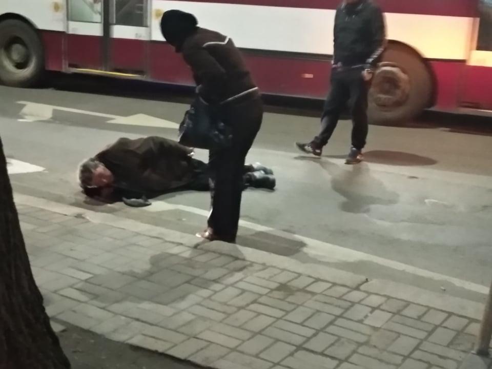На Лепкого у Франківську водій легковика збив пішохода. ОНОВЛЕНО 2