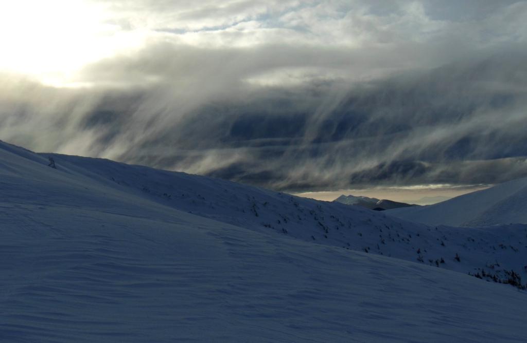 На 1800: франківець опублікував фото зимового шторму в Карпатах 10