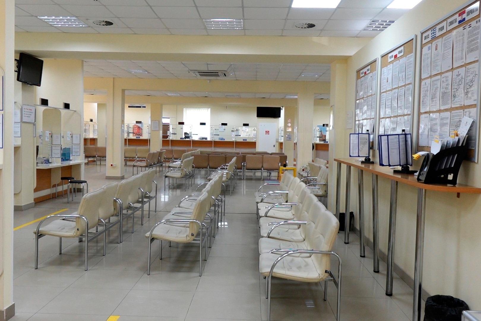 Директора візового центру у Франківську оштрафували за порушення карантину 4